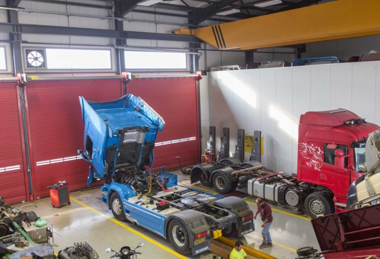 Service Sivris Συνεργείο Φορτηγών 24